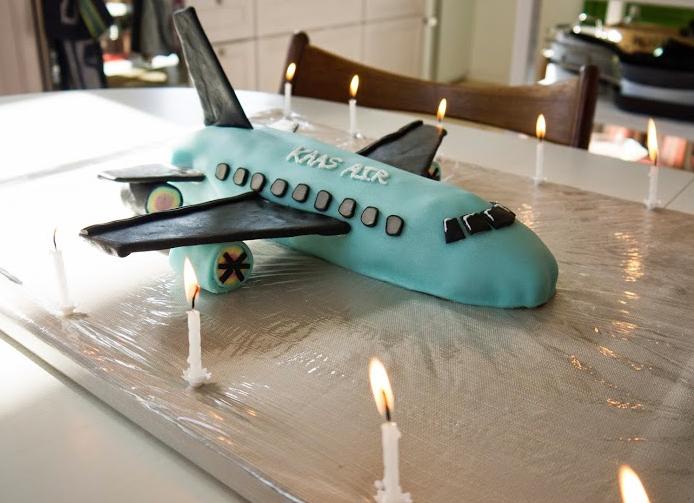 Fødselsdagskage flyver